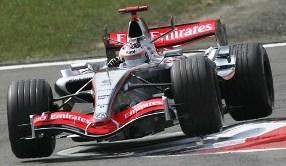 mclarenf1_race1.jpg